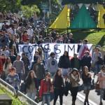 7 dias depois, Santa Maria marcha pela democratização do ensino