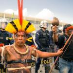 """""""Se é por falta de caneta, nós damos uma para que assine a demarcação das nossas terras"""""""